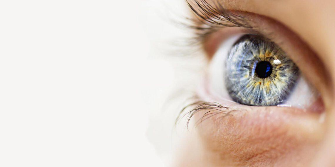 Jak dbać o skórę pod oczami? Demakijaż i pielęgnacja według mnie