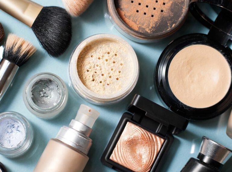 Kosmetyki mineralne bez tajemnic: rodzaje, właściwości i aplikacja