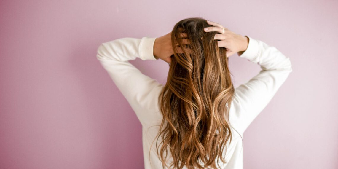 Jakie serum do włosów wybrać? Zastosowanie, rodzaje, działanie