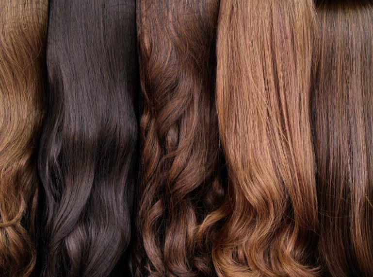 TEST masek do włosów. Jaka najlepsza do zniszczonych, jaka do farbowanych, jaka do grubych włosów?